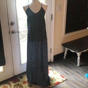 Old Navy V-neck sleeveless maxi dress
